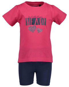 T-shirt and shorts (pink or navy)