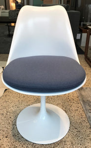 Esstischgruppe Saarinen Oval von Knoll International
