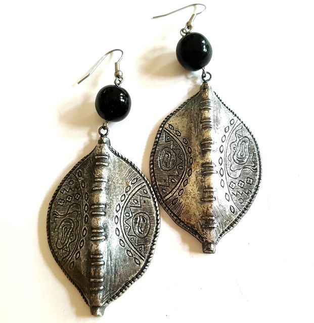 Boho Earrings Shield Black Antique Silver