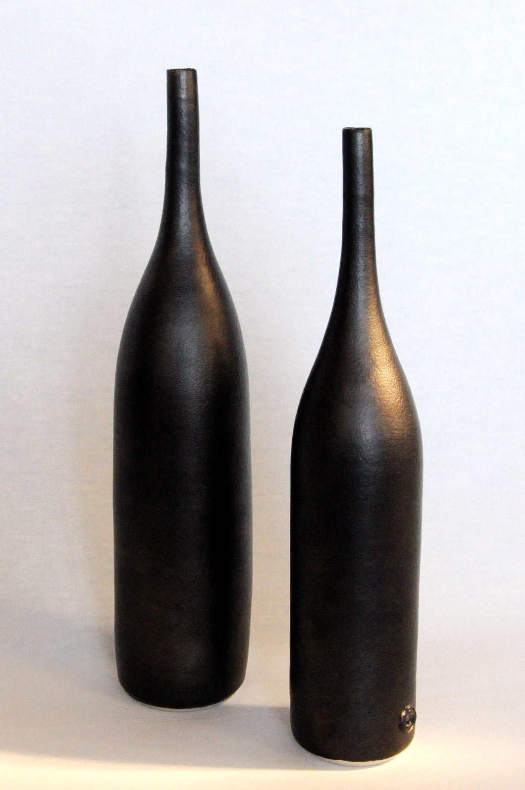Bottle form RIGHT - matt black