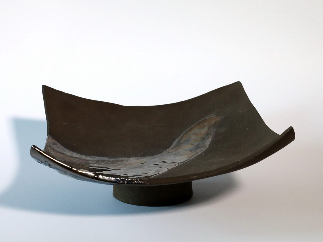 Footed curved platter -Black Porceleine