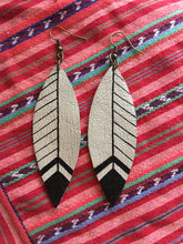 FEATHER | EARRINGS