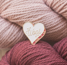 Load image into Gallery viewer, Wool Heart Pin