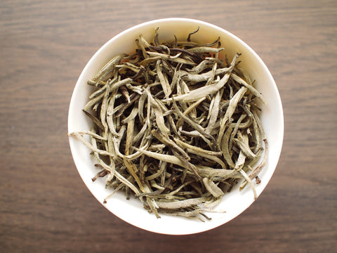 "Silver Bud White Pu-erh, Big Snow Mountain, ""Da Xue Shan"" 2003"