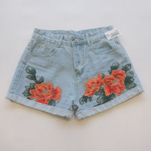 Load image into Gallery viewer, Womens Shorts Small