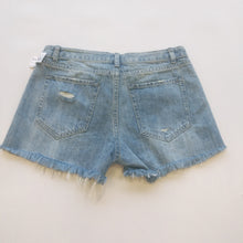 Load image into Gallery viewer, Luca + Grace Womens Shorts Medium