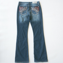 Load image into Gallery viewer, Miss Me Denim Size 5/6 (28)