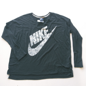 Nike Long Sleeve T-Shirt Size Medium