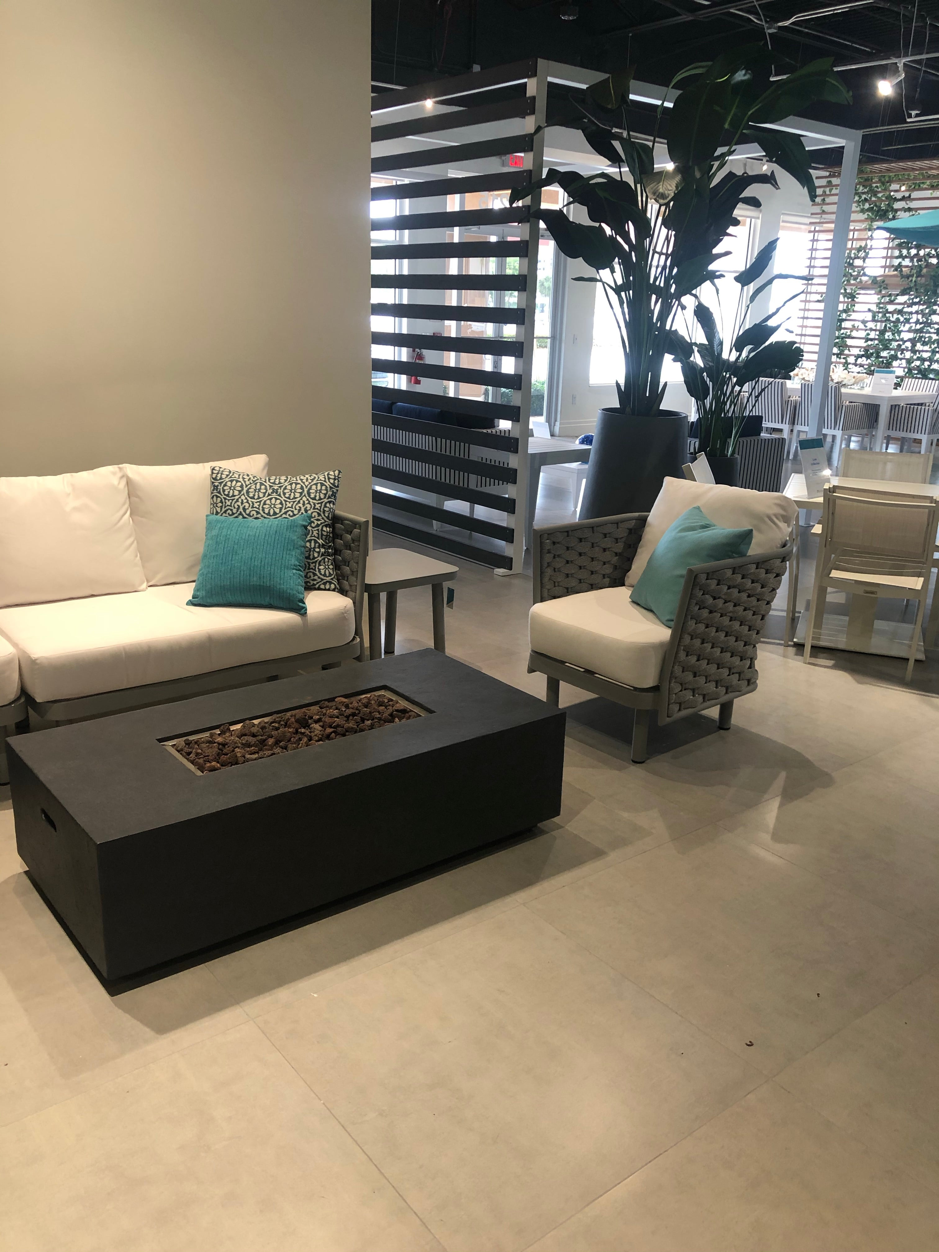 LUXE SECTIONAL