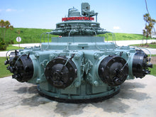 Load image into Gallery viewer, Z Scale 1655HP Nordberg 11cyl Industrial Radial Engine Load Grey