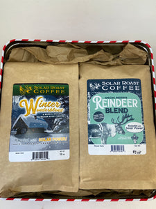 100% USDA ORGANIC🌱  We made the holidays easy for the coffee lover in your life with our Holiday Blends Gift Set! You'll receive a 12oz bag of our holiday favorite Winter Wonderblend and a 12oz of our new Special Reserve Reindeer Blend, both in a festive holiday tin! It makes the perfect gift!  (Tin may differ from photo, but you'll get the same great coffee!)  • • • • • • •  Our solar roasting process makes our coffees the richest and most flavorful you will ever brew. Using solar power allows us to roast