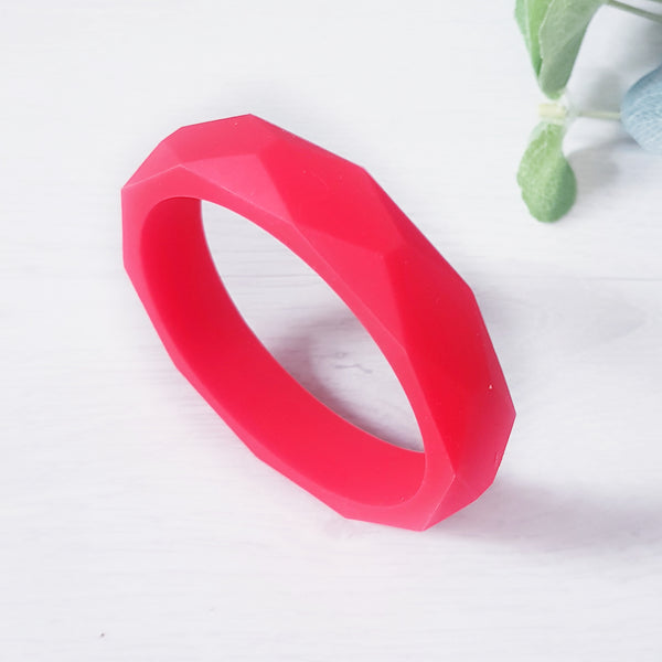 Geometric teething bangle - Red