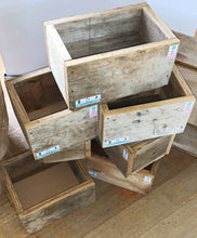 Load image into Gallery viewer, Recycled Wood Planting Box