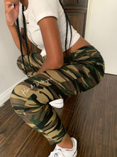 Load image into Gallery viewer, Camo Bae Joggers