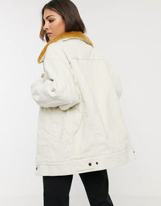 Levi's - Oversized Corduroy Fur Trucker Jacket
