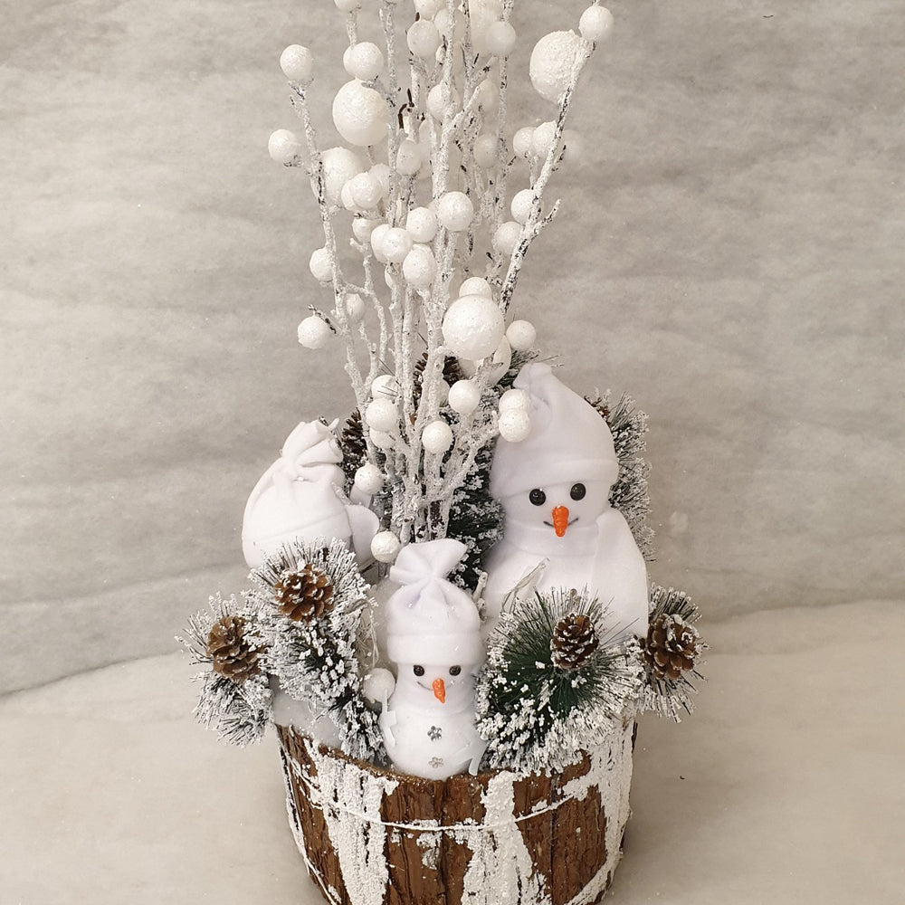 3 x snowmen in Wooden pot
