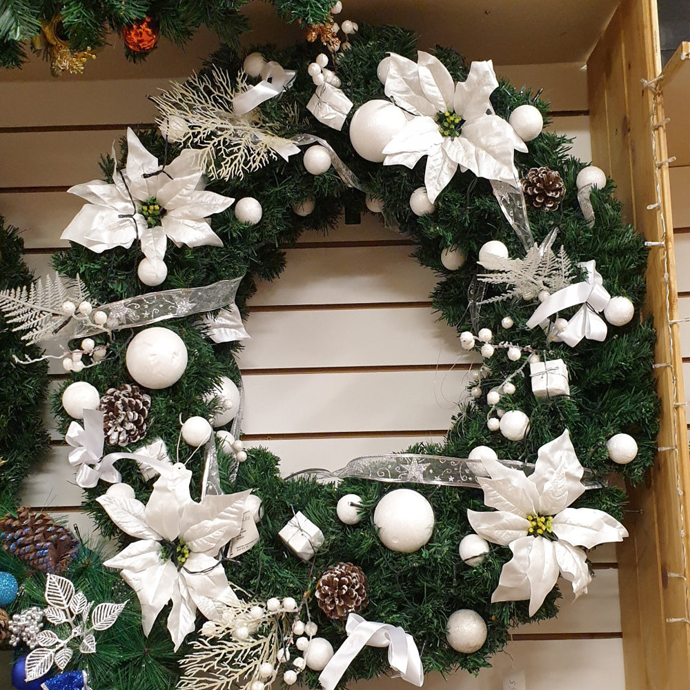 Pre dressed white wreath