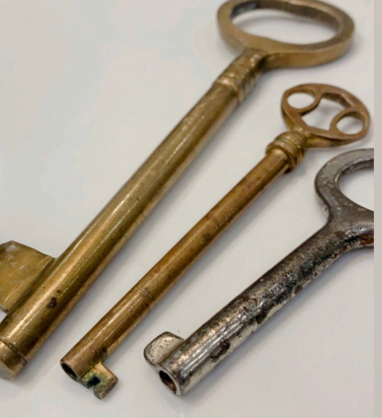 Set of 3 Antique Keys