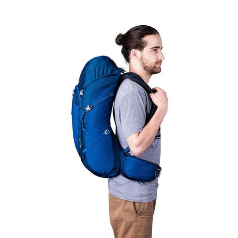 Gregory Zulu Men's Daypack Empire Blue in use side view