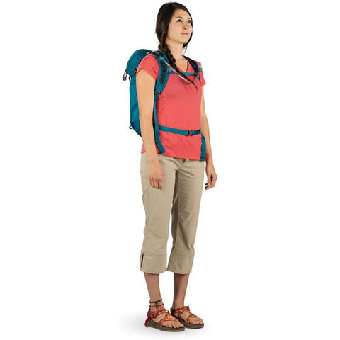 Osprey Skimmer Women's 20 Litre Hydration Backpack in use side view