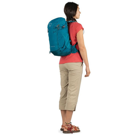 Osprey Skimmer Women's 20 Litre Hydration Backpack in use rear view