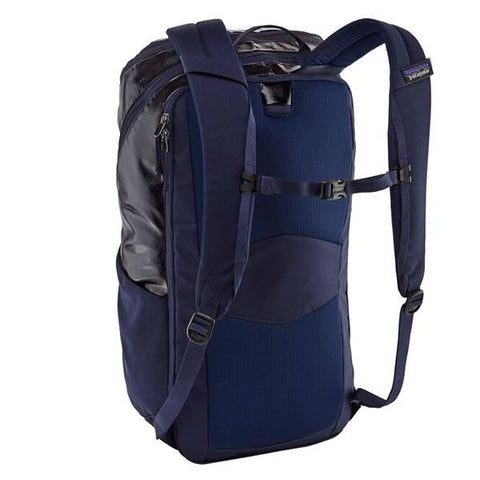 Patagonia 32 Litre Black Hole Daypack in use