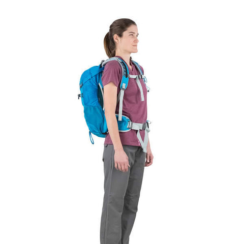 Osprey Sirrus 24 Litre Women's Ventilated Daypack in use front view