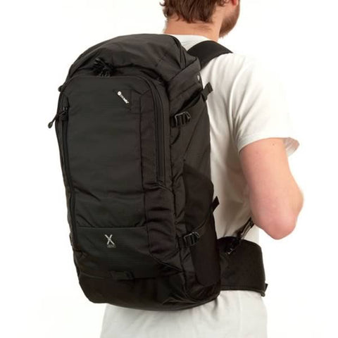 Pacsafe Venturesafe X30 Anti Theft 30 Litre Backpack Daypack Black on back