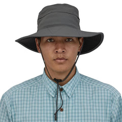 Patagonia Baggies Brimmer Floating Hat in use Forge Grey
