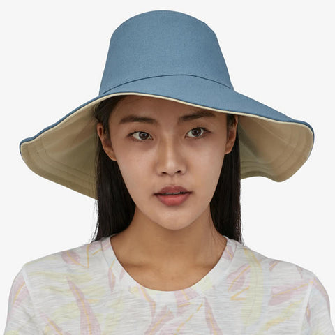 Patagonia Women's Cotton Canvas Stand Up Sun Hat in use front view