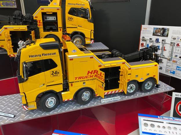 1/14 R/C Volvo FH16 Globetrotter 750 8x4 Tow Truck