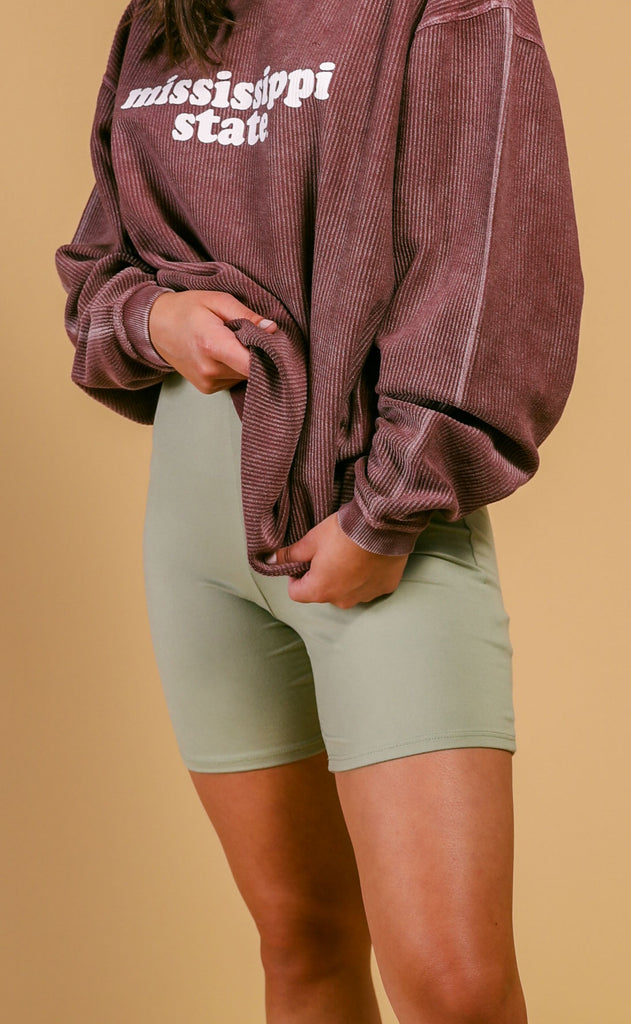 kendall biker shorts - light olive
