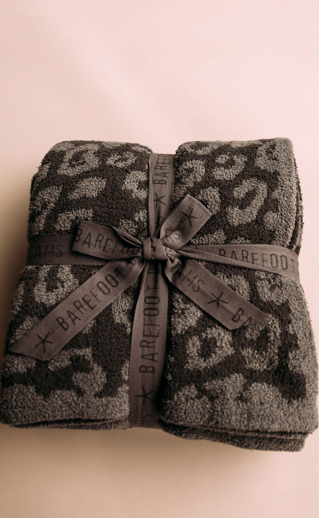 barefoot dreams: cozychic in the wild adult throw - graphite/carbon