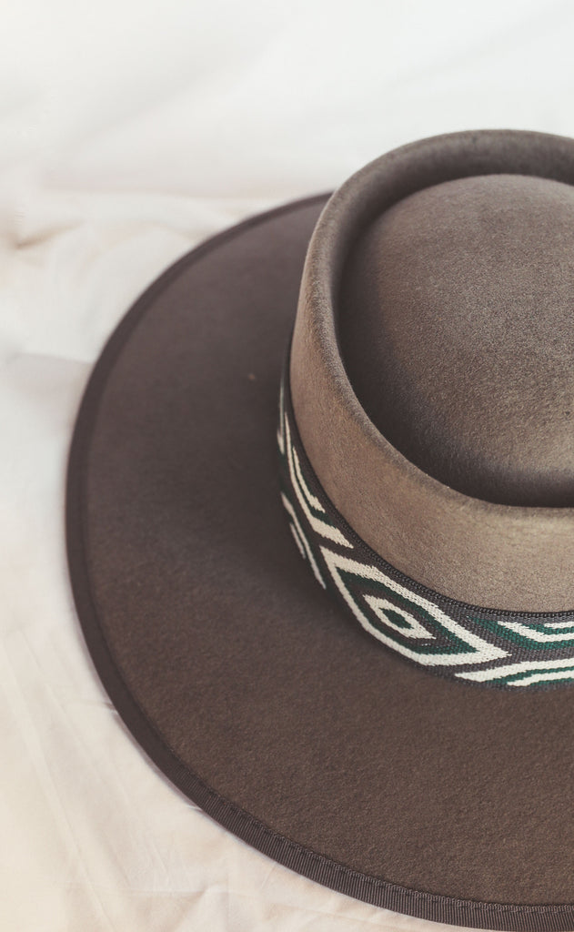 wyoming belted hat - olive