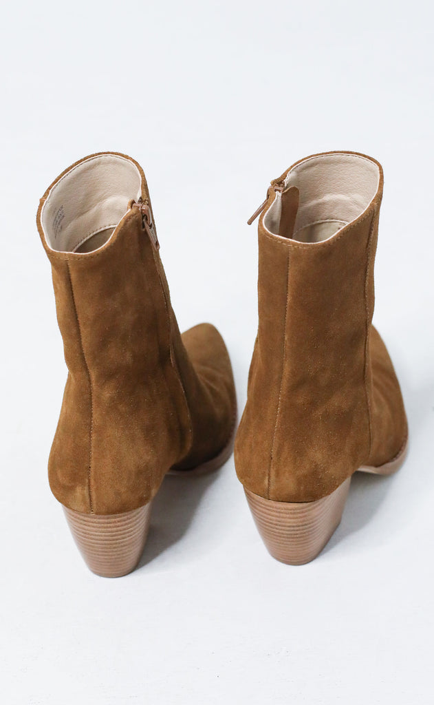 matisse: caty bootie - fawn suede