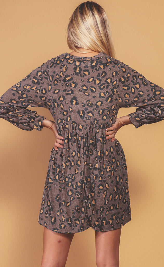 feeling catty printed dress - mocha