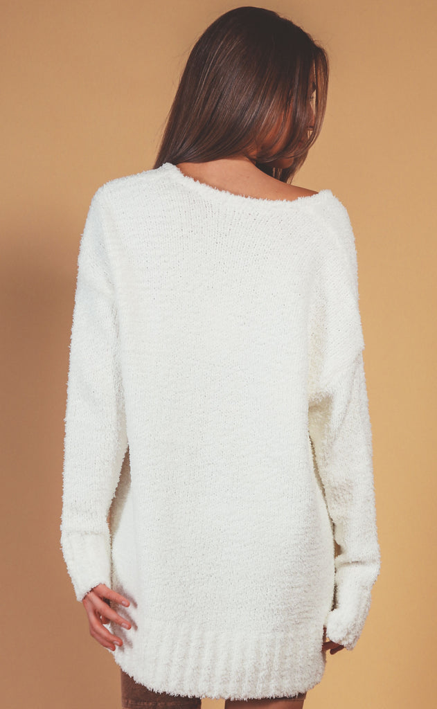 show me your mumu: hug me sweater - white fuzzy knit