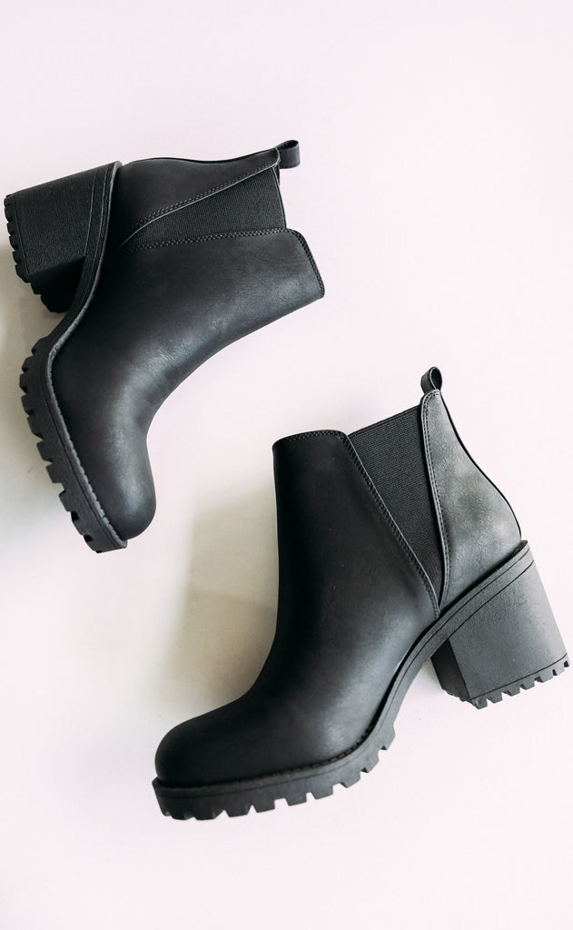 chinese laundry: lisbon bootie - black