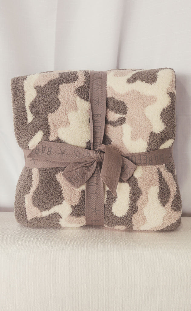 barefoot dreams: cozychic camo throw - stone multi