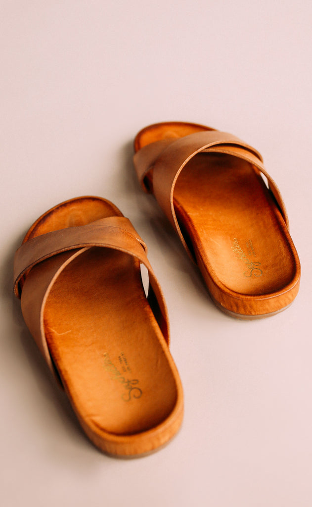 seychelles: light hearted sandal - tan leather