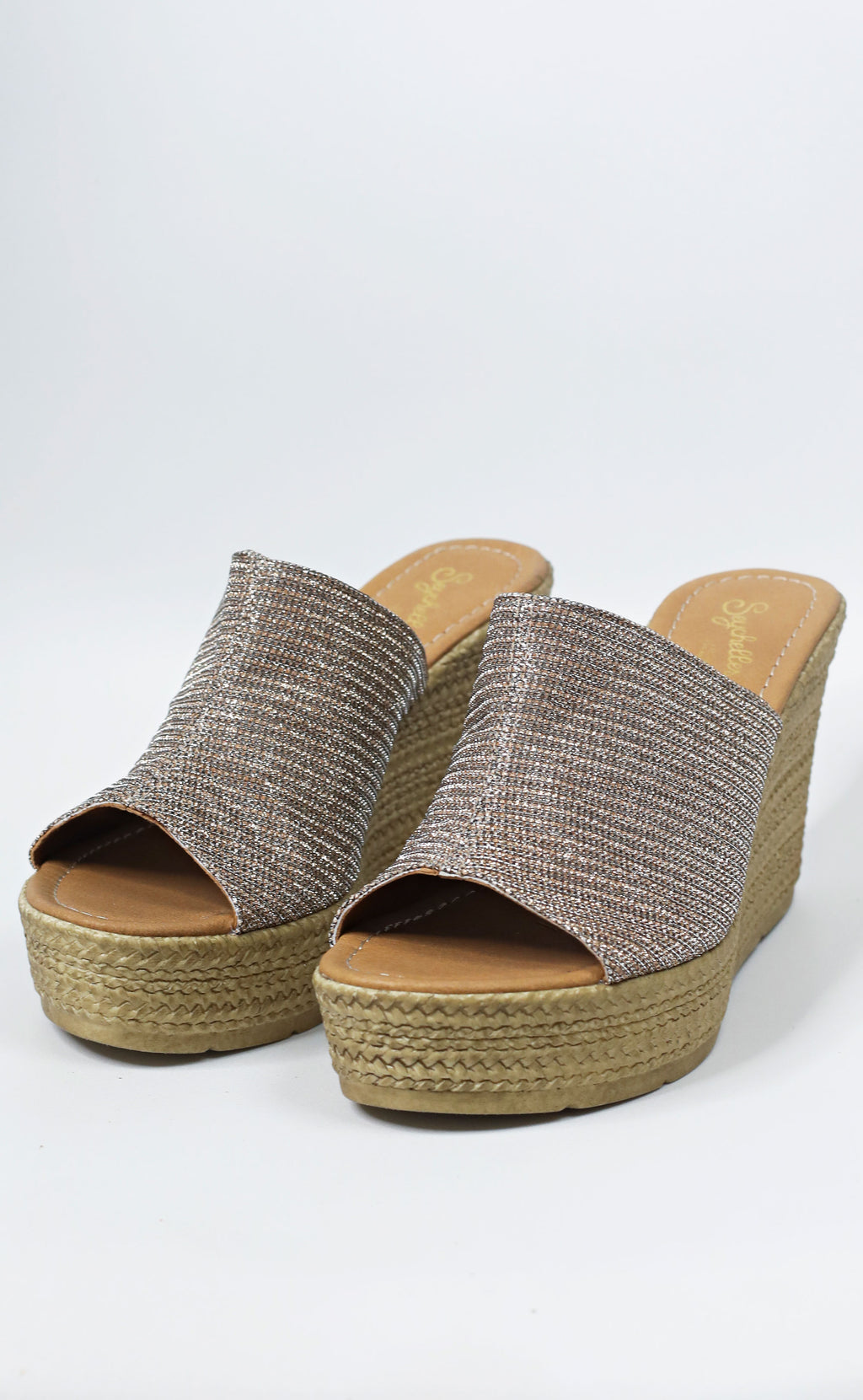 seychelles: spa metallic wedge