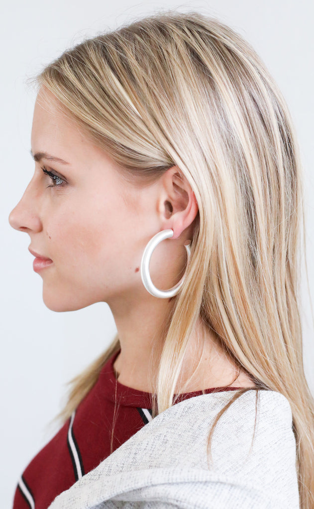 thick hoop earrings - matte silver