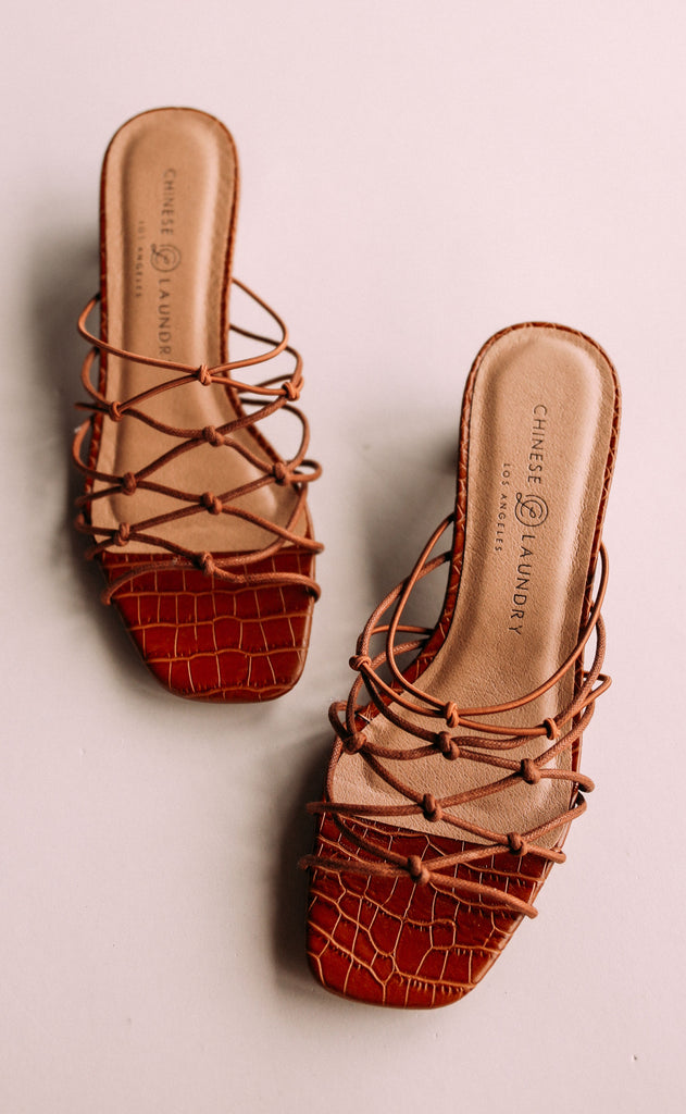 chinese laundry: lizza sandal - bark
