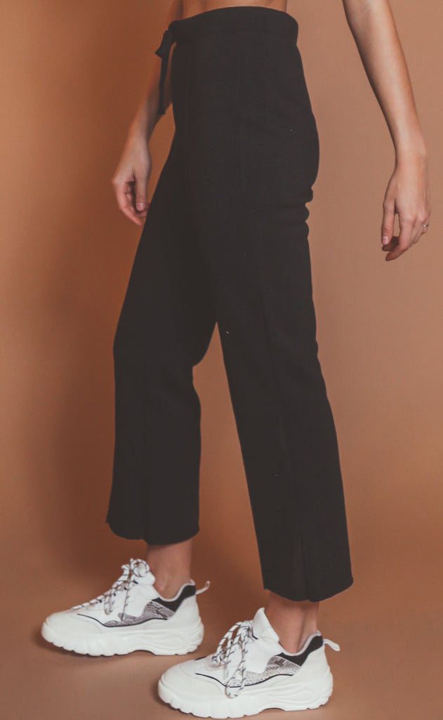 z supply: peyton cropped sweatpant - black