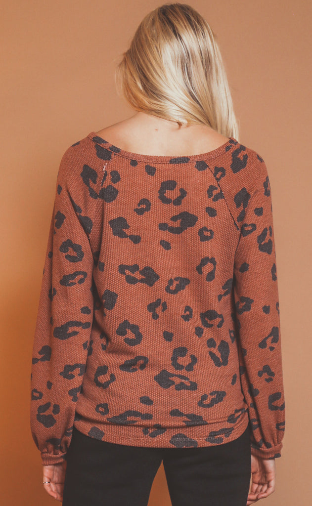 adventure time printed henley - rust