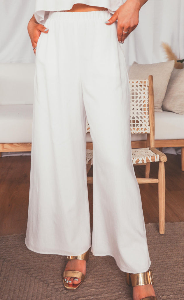 show me your mumu: kick back pants - white linen