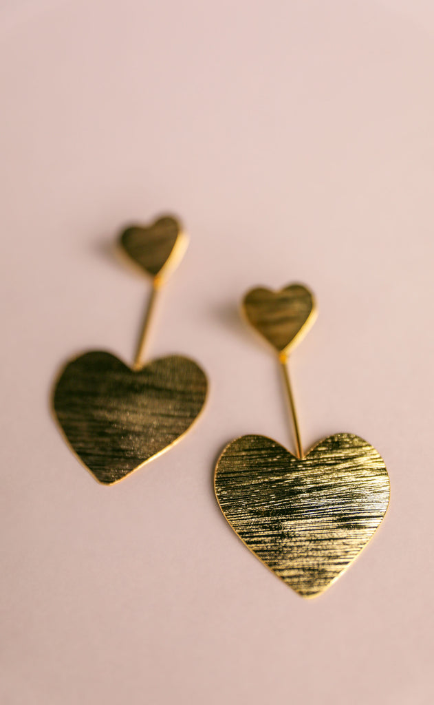 treasure jewels: gold heart earrings