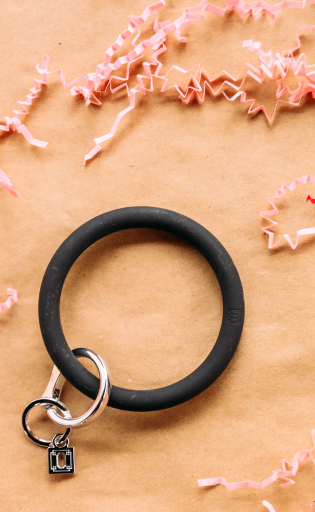 oventure: big o silicone key ring - back in black
