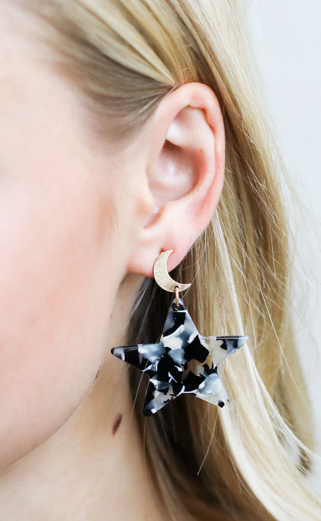outer space statement earrings - gold/black