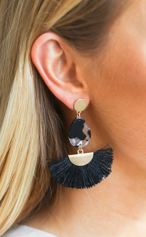fanfare statement earrings - black